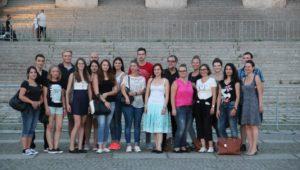 Azubigruppe vor dem Reichstag